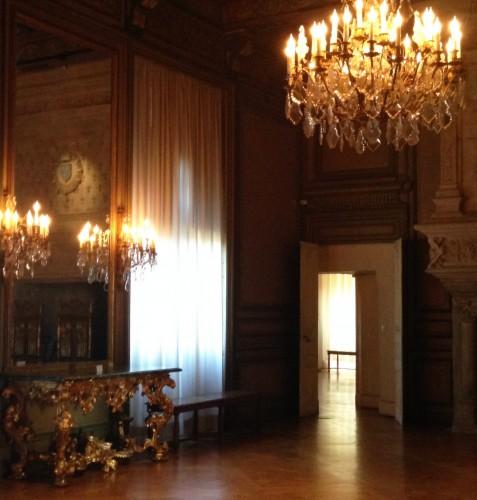 photos, art, Château de Grignan, Drôme, éclairage, vues, fenëtres, apparat, voûtes, arcs,