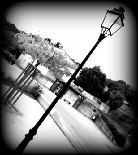 photos, métal, art, avion, lampadaire,pylône, candélabre, noir et blanc, tourisme, paca, Drôme, Vaucluse, Orange,