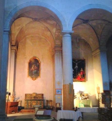photo,église,romane,saint-bach,monuments,rénovation,voûtes,arcades,saints,coffre,colonnes,tableaux,pupitre