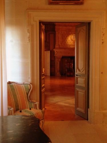 photos, art, Château de Grignan, histoire,visite, salon, Drôme, éclairage, vues, fenëtres, apparat, voûtes, arcs,