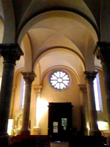 photos, art, architecture, liturgie, bénitier,vitaux,colonnes, église, allex, st maurice, drôme