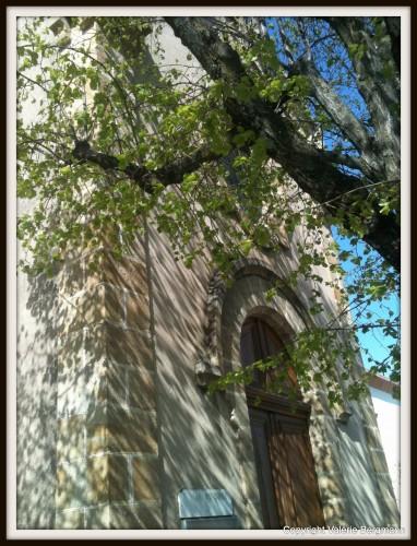 église, bour saint andéole, chapelle, pierre, arbre, lumière