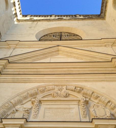 Photos, art, architecture, église du château, Grigan, Drôme, gothique, colonnes, travées, sculpture, chapitre