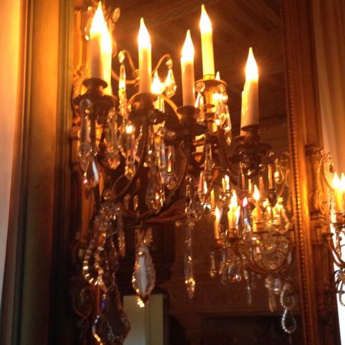 photos, art, Château de Grignan, histoire,visite, luminaires, salon, Drôme, éclairage, vues, fenëtres, apparat, voûtes, arcs,