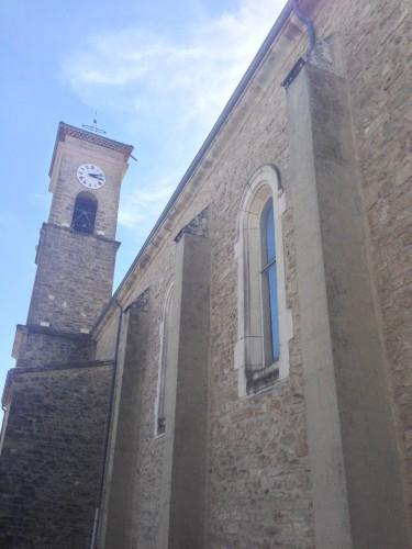 art,église,drôme,montoison,saints,nef,autel,parvisintérieur,voûte,presbytère,vierge,dieu,croix,vitraux,village