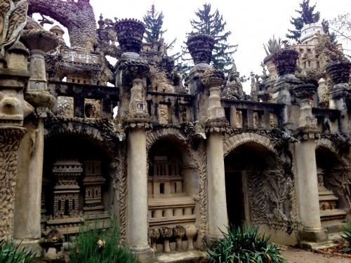 photos, art naïf, facteur cheval, palais idéal, colonnes, mosquée, visionnaire,sculpture, tombeau, grottes, cariatides, stalagmites, relief,maisons, ,