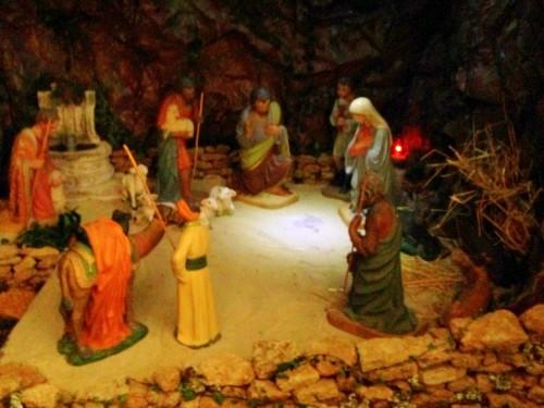 Photo, Noël, Jésus, Joseph, Marie, crèche, santons, Drôme, Provence, enfants
