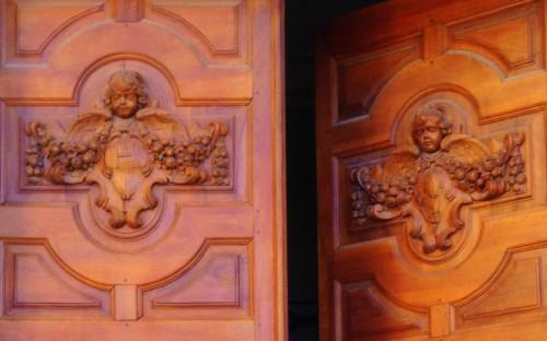 Photos, art, architecture, église du château, Grigan, Drôme, gothique, détail anges, porte, colonnes, travées, sculpture, chapitre