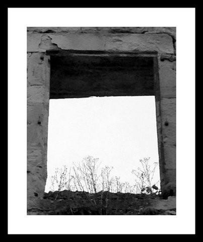 photo,art, drôme, noir et blanc, insolite, fenêtre, ouverture, vide, bois, Les Chanaux, Drôme,Crest