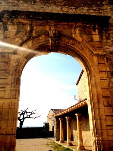 art, Livron, drôme, architecture,village, colonnes, voûte, rocher, pierre, église, tourisme