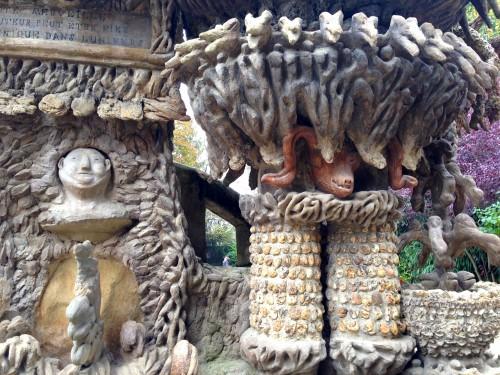 photos,art naïf,facteur cheval,palais idéal,colonnes,pierres,niches,crèche,maison blanche,mosquée,voûtes,arcades,visionnaire,sculpture,tombeau,grottes,temple,cariatides,stalagmites,relief,maisons